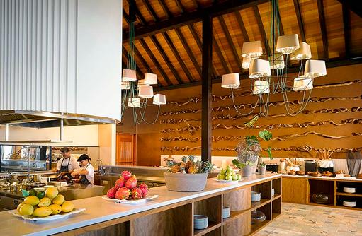 Athiri Restauarant, Frühstücksbuffet, Velaa Private Island Maldives