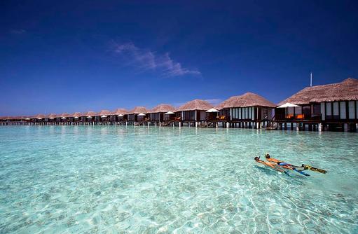 Schnorcheln bei den Wasservillen, Velassaru Maldives