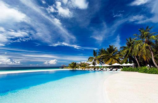 Infinity Pool, Velassaru Maldives