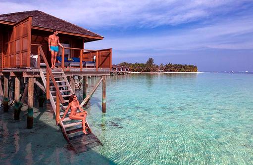 Einstieg von der Water Villa ins Wasser, Vilamendhoo Island Resort, Maldives