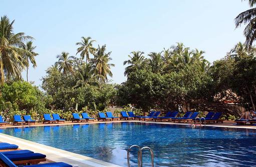 Gemeinschaftspool, Vilamendhoo Island Resort, Maldives