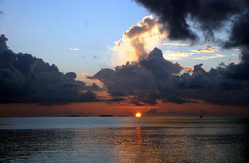 Sonnenuntergang,  Vilamendhoo Island Resort, Maldives