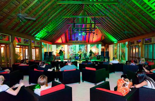 Unterhaltung am Abend, Vilamendhoo Island Resort, Maldives