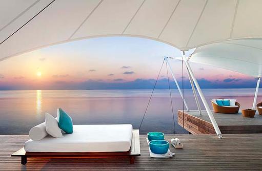 AWAY® Spa, Daybed, Lounge, Terrasse, Sonnenuntergang, W Retreat & Spa Maldives