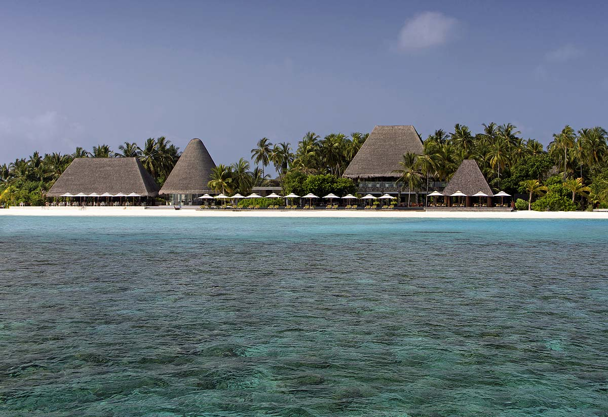 Beachfront, Manzaru Pool, Anantara Kihavah Villas, Maldives