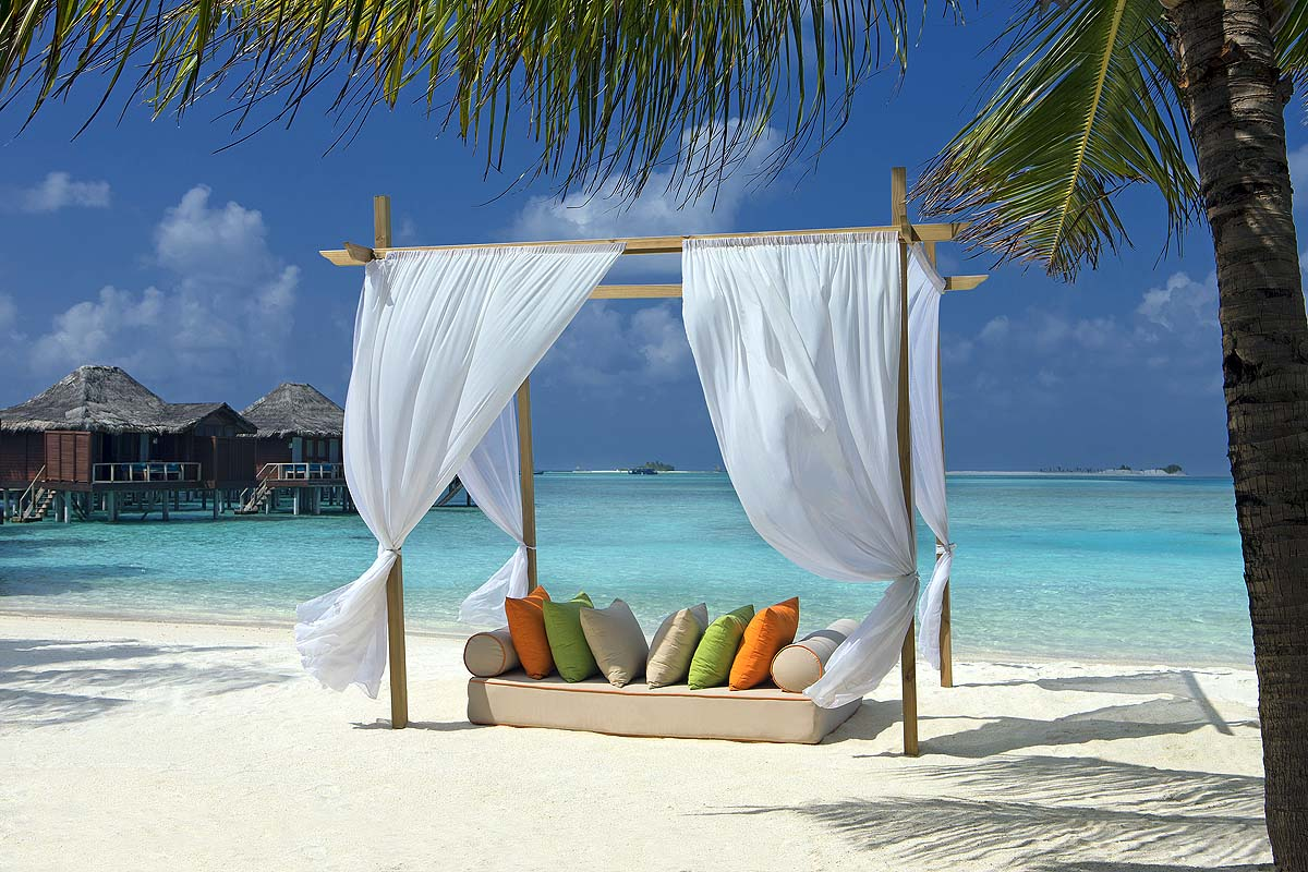 Daybed am Strand, Relax, Anantara Veli Maldives Resort