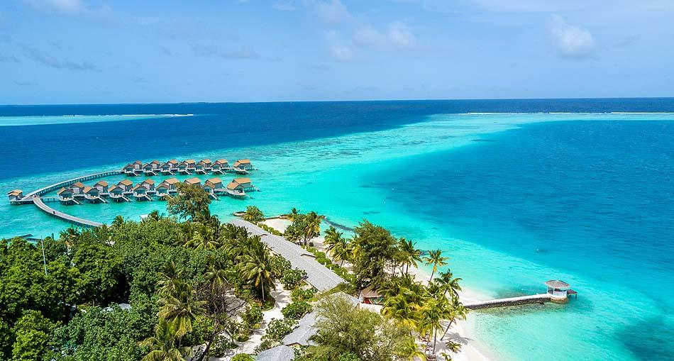 Vogelperspektive auf die Insel, Centara Ras Fushi Resort & Spa, Maldives