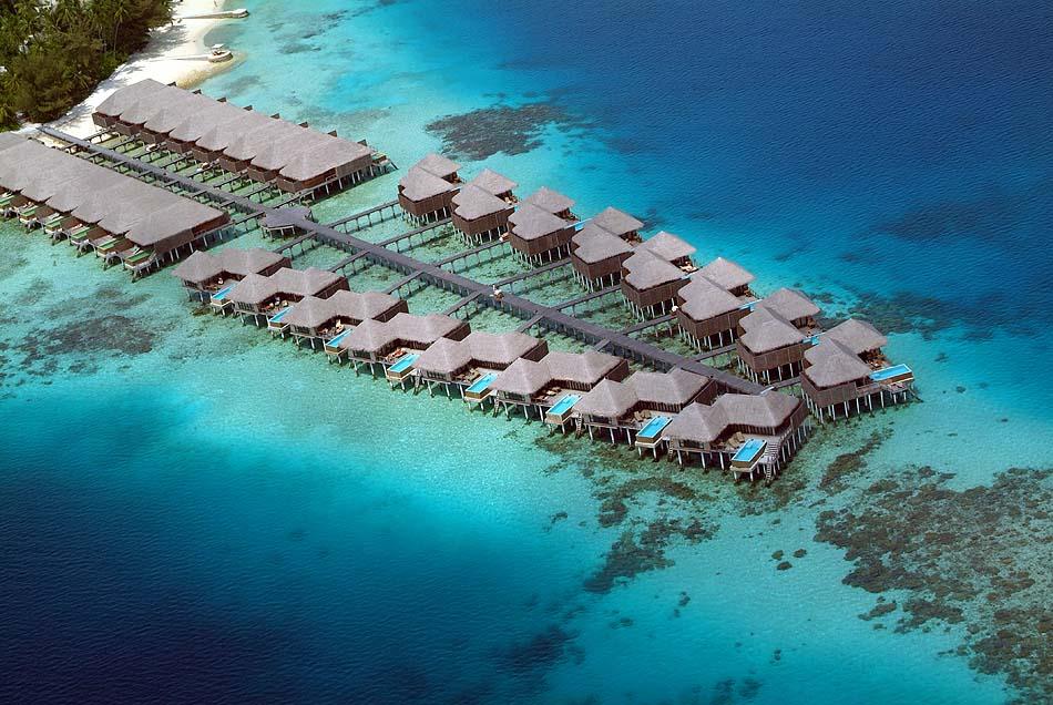 Luftaufnahme der Water Villen und Escape Water Villen, Coco Bodu Hithi, Maledives