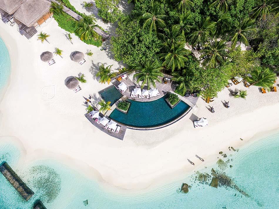 Vogelperspektive, Drohnenaufnahme, Pool, Constance Moofushi Resort, Malediven
