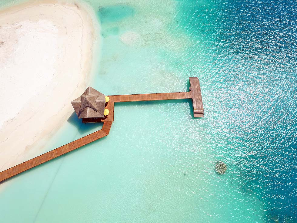Luftaufnahme Ankunftssteg im Dhigufaru Island Resort