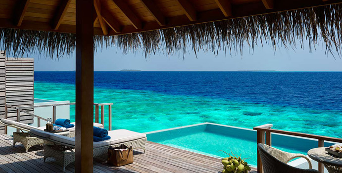 Pool, Terrasse der Water Villas mit Pool, Dusit Thani Maldives