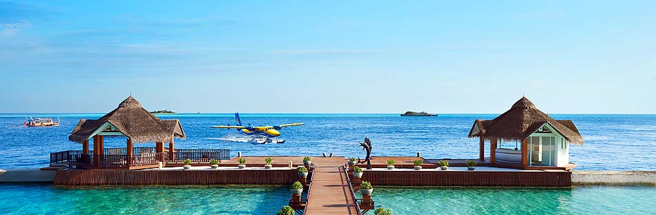 Ankunftssteg, Wasserflugzeug, Ellaidhoo Maldives by Cinnamon