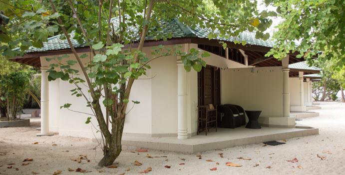 Superior Zimmer, Embudu Village