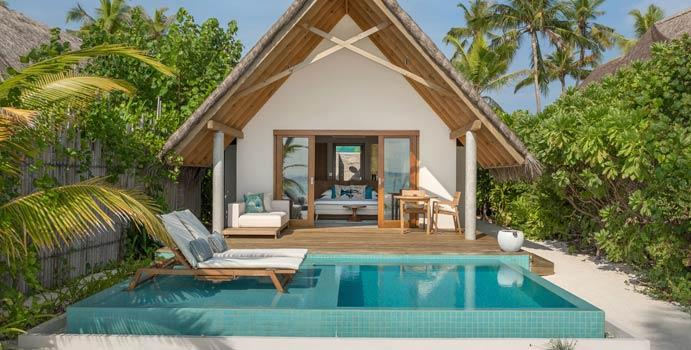 Pool und Terrasse, Pool Beach Villa Sunrise, Fushifaru Maldives