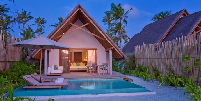 Terrasse und Pool, Pool Beach Villa Sunset, Fushifaru Maldives