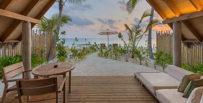 Sonnenuntergangsblick, Beach Villa Sunset, Fushifaru Maldives