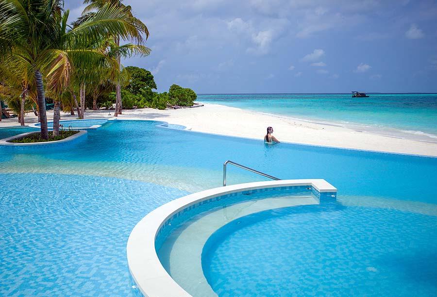 Hauptpool, InterContinental Maldives
