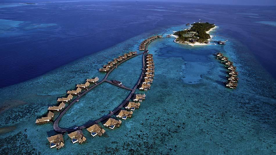 Drohnenaufnahme der Wasserbungalows, Jumeirah Vittaveli, Maldives