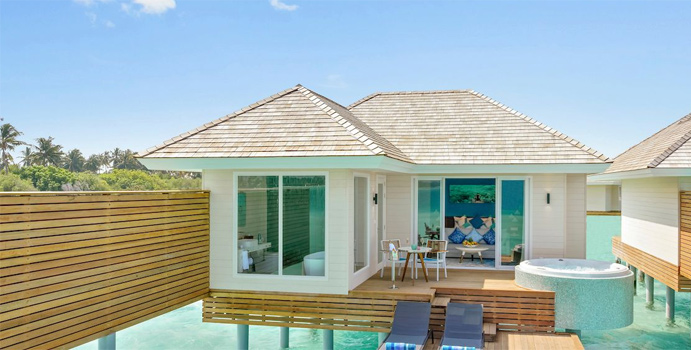 Aqua Villa mit Jacuzzi, Kandima Maldives