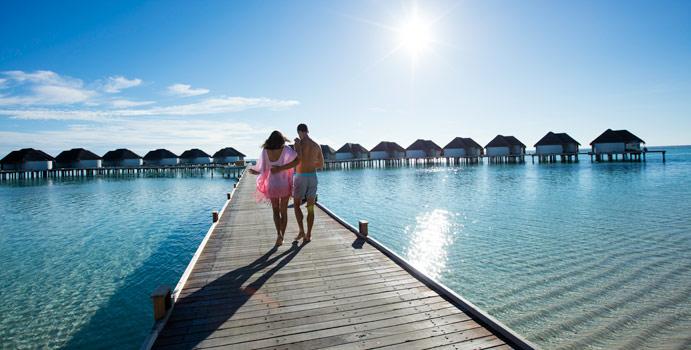 Steg zu den Water Villen, Kanuhura Maldives