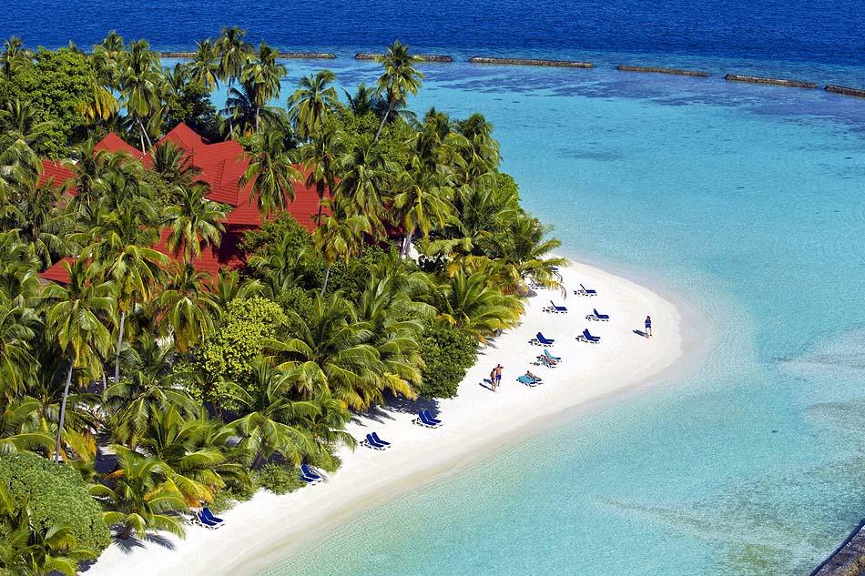 Sandstrand mit Palmen, Kurumba, Malediven