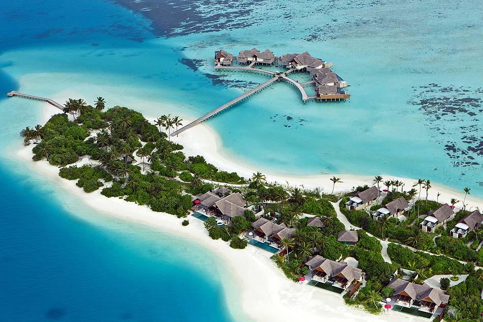 Blick von oben auf Beach Pavillons und The Crescent, Niyama Private Islands Maldives