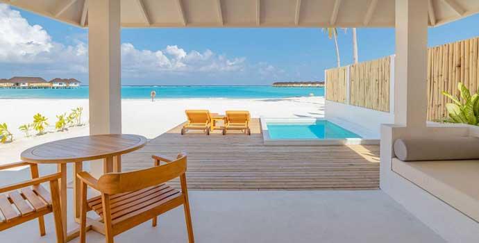 Romantic Beach Villa with Pool, Olhuveli Beach & SPA Resort