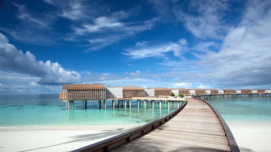 Steg zu den Wasservillen, Park Hyatt Maldives Hadahaa, Maldives