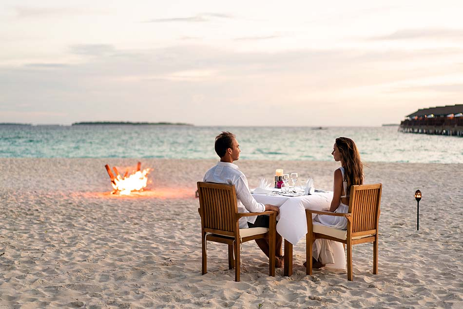 Romantisches Dinner am Strand, Reethi Faru Resort, Maldives