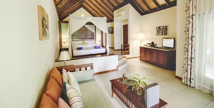 Wohnen, Strandbungalow Meerseite, ROBINSON Club Maldives