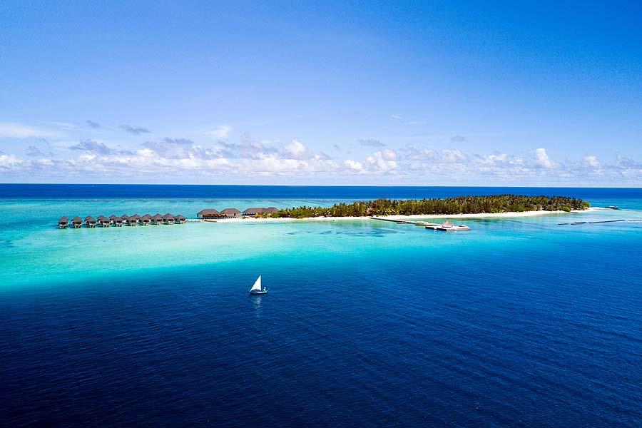 Luftaufnahme seitlich, Summer Island Maldives