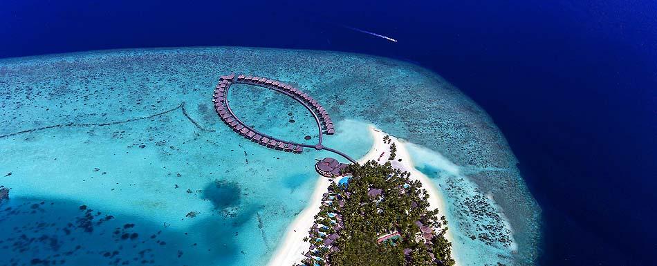 Blick von oben auf die Insel, Sun Aqua Vilu Reef Maldives