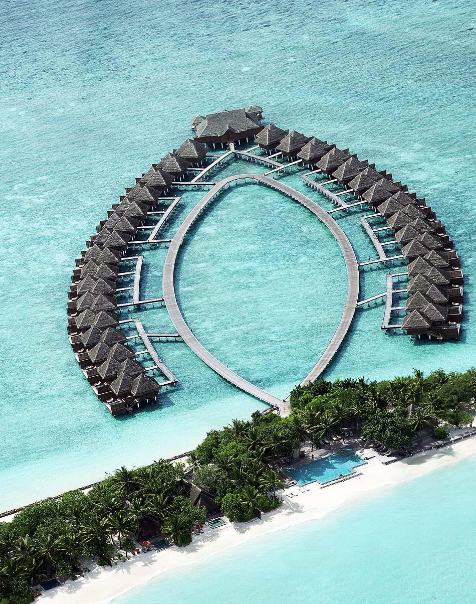 Wasservillen von oben I Taj Exotica Maldives Resort & SPA