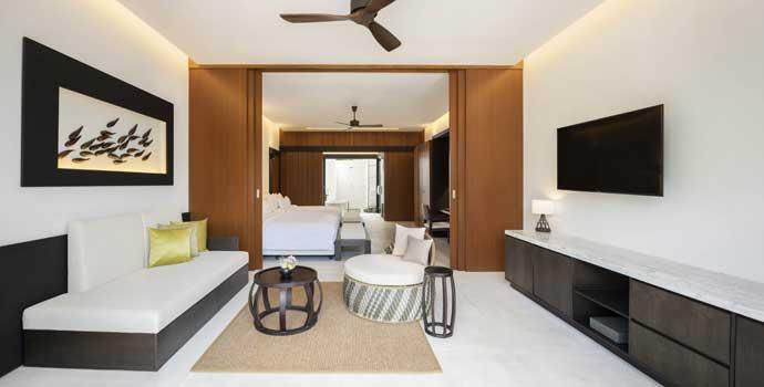 Family Deluxe Beach Villa Pool, The Westin Maldives Miriandhoo Resort