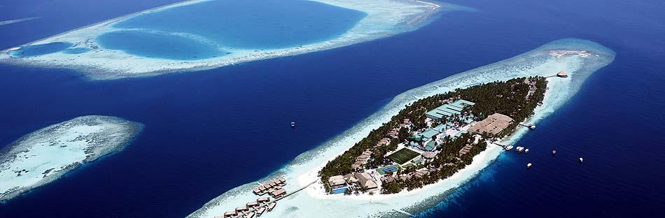 Ansicht von der ganzen Insel von oben, Vilamendhoo Island Resort, Maldives