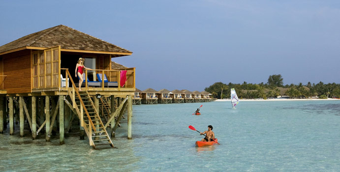 Jacuzzi Water Villa, Vilamendhoo Island Resort