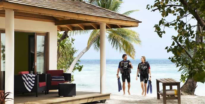 Jacuzzi Beach Villa, Vilamendhoo Island Resort & Spa