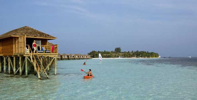 Jacuzzi Water Villa, Vilamendhoo Island Resort & Spa